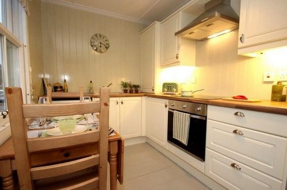 Вагонка в интерьере кухни: стили оформления, финишное покрытие