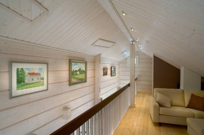 Вагонка или блок-хаус, что лучше для внешней и внутренней обшивки дома