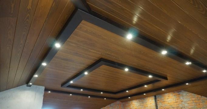 Вагонка штиль в интерьере: фото примеров оформления стен и потолка
